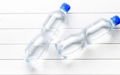 La pellicola biocompatibile che potrà rivoluzionare il mondo delle bottiglie di plastica